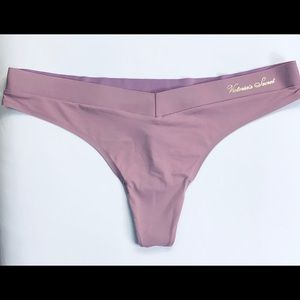 BNWT L Plum Colored Silk and Velvet Thong